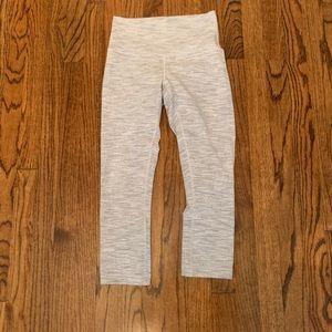 gray lululemon leggings (cropped) 21'